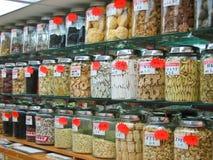 marché mis en bouteille de marchandises de chinatown Photographie stock libre de droits