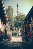 Marché près de mosquée Images libres de droits