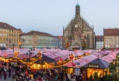 Marché principal Place-Nuremberg, Allemagne de Christkindlesmarkt- image libre de droits