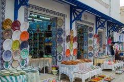 Marché tunisien traditionnel La Médina dans Nabeul images stock