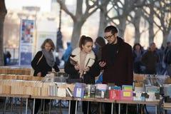 Marché utilisé de livre sous le pont de Waterloo, banque du sud, Londres, Angleterre, Royaume-Uni, l'Europe Image libre de droits