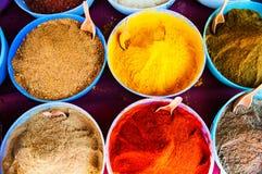 Marché traditionnel d'épices dans l'Inde Images libres de droits