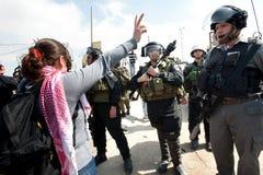 Marcha de los palestinos el el día de las mujeres internacionales Fotos de archivo libres de regalías