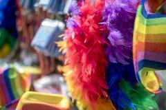 Marchandises de drapeau d'arc-en-ciel de festival de la fierté LGBT Photos libres de droits