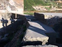Marchant le long des restes des bains de Sutro, San Francisco, 5 Photographie stock libre de droits