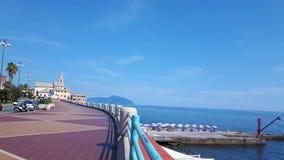 Marche autour du bord de la mer de Gênes Photos libres de droits