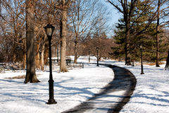 marche de poteau de chemin rayée par lampe Photo libre de droits