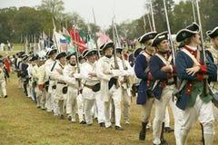 Marche française de troupes pour rendre la zone Images stock