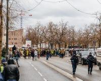 Marche giet Le Climat maart beschermt op Franse straat royalty-vrije stock foto's