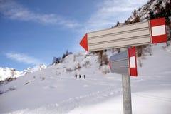 Marche jusqu'au dessus de la montagne Photos stock