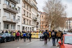 Marche Nalewa Le Climat marszu protesta demonstrację na Francuskim stre obrazy royalty free
