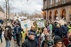 Marche Nalewa Le Climat marszu protesta demonstrację na Francuskim stre zdjęcie stock