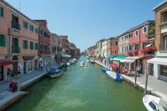 Marche par les rues de Murano Photo libre de droits