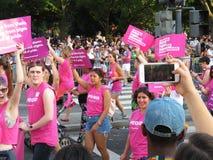Marche pour la condition parentale prévue Images libres de droits