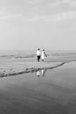 Marche sur la plage Images stock