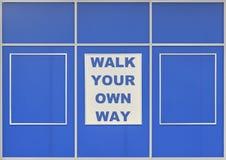 Marchent votre propre manière Photographie stock libre de droits