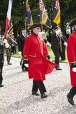 Marcherende Chelsea-gepensioneerde bij Thiepval-Gedenkteken Stock Foto