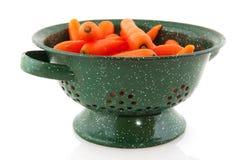 marchewek colander świeża zieleń obrazy stock
