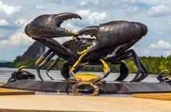 Marchez en crabe la statue dans la ville de centre de citation de Krabi, Thaïlande photo libre de droits
