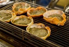 Marchez en crabe le gril ou le miso bouilli de Kani Korasho dans le Japonais, un du repas délicieux et célèbre au Japon photo stock