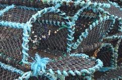 Marchez en crabe les paniers de pêche dans le port de pêche de Kirkwall, capitale des Orcades Ecosse Photographie stock