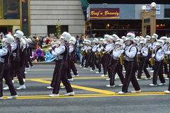 MARCHING BANDS School Marching Band in ThanksgiviThe Bedford Highng Parade Royalty Free Stock Images