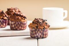 Marchwiani muffins z blueberrie Zdjęcia Royalty Free