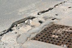 Marciapiede concreto rotto Fotografia Stock Libera da Diritti