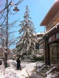 Marciapiede di destra di Roccaraso con neve Fotografia Stock Libera da Diritti
