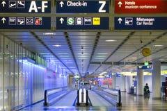 Marciapiede mobile in aeroporto Monaco di Baviera Fotografie Stock Libere da Diritti