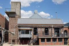 MARCINELLE - 6. AUGUST 2017: Bergbaumuseum Bois du Cazier stockfotografie