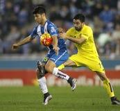 Marco Asensio des RCD Espanyol kämpft mit Jaume Costa von Villareal-CF Stockfotografie