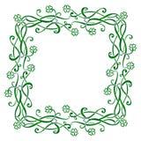 Marco céltico de los triskels del vintage del vector con los tréboles de cuatro hojas verdes libre illustration