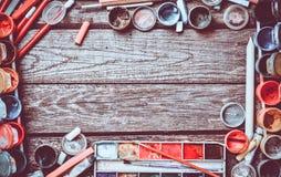 Marco creativo de los productos para dibujar y la creación imágenes de archivo libres de regalías