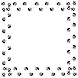 Marco cuadrado con la pista del perro negro aislada en el fondo blanco Imagenes de archivo