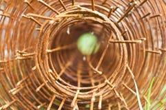 Marco de acero oxidado. Foto de archivo