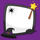 Marco de Halloween con el sombrero y el web de la bruja Fotos de archivo