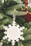 Marco de la bola del ornamento de la Navidad Fotografía de archivo