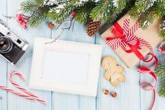 Marco de la foto de la Navidad Fotos de archivo libres de regalías