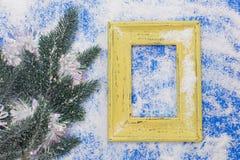 Marco de la foto y decoración en blanco de la Navidad Foto de archivo libre de regalías