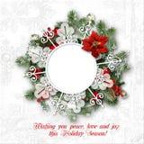 Marco de la guirnalda de la Navidad en un fondo original blanco Foto de archivo libre de regalías