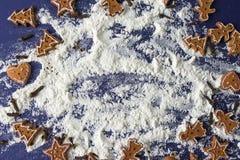 marco de la hornada de la galleta de la Navidad del pan de jengibre Foto de archivo