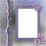 Marco de la lila de Grunge para la foto con las perlas y el cordón Imágenes de archivo libres de regalías