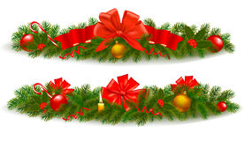 Marco de la Navidad con la rama del árbol y de la cinta roja Imagenes de archivo