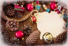 Marco de la Navidad con las decoraciones de la Navidad Fotografía de archivo