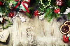 Marco de la Navidad con las decoraciones del vintage Imágenes de archivo libres de regalías