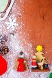 Marco de la Navidad y del Año Nuevo para el fondo de madera de la tarjeta de felicitación con el espacio de la copia Visión super Fotografía de archivo libre de regalías