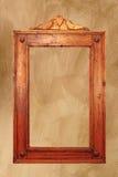 Marco de madera antiguo en la pared fotografía de archivo libre de regalías