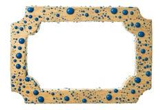 Marco de madera hermoso en descensos de la pintura azul Aislado en el fondo blanco fotos de archivo