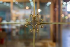Marco de ventana de oro de lujo Imagen de archivo libre de regalías